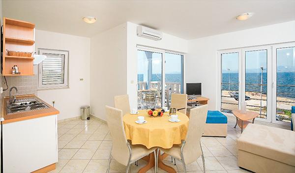 Lägenhetshotell Marina - Supetar
